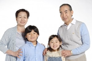 孫とおじいちゃんおばあちゃん